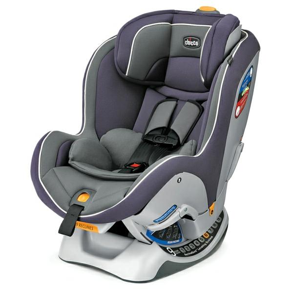 ergonomischer-autokindersitz-modernes-design-sicherheit-im-auto-babysitz-auto