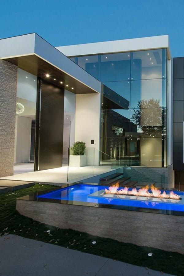 erstaunliche-architektur--luxus-ferienhaus-mit-pool