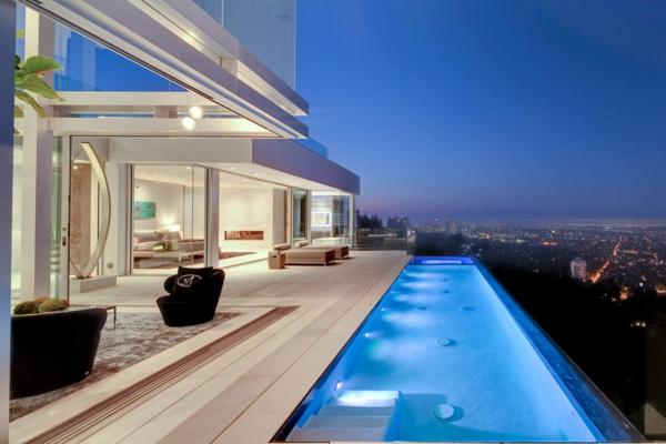 erstaunliches-schwimmbecken-design-idee-infinity-pool-wunderschönes-design