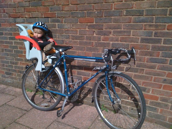 fahrrad-kindersitz-kindersitz-fahhrad-praktische-accessoires