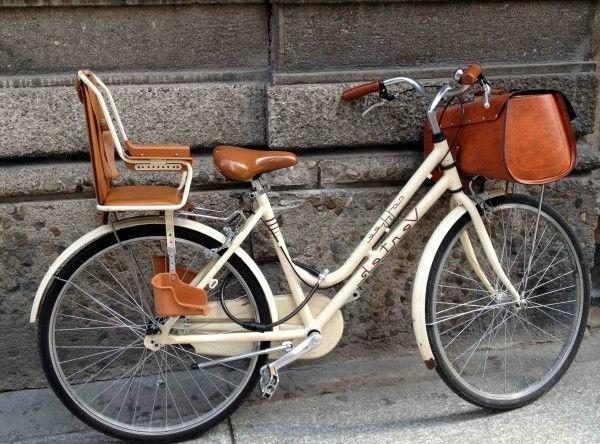 fahrrad-kindersitz-tolles-modell-in-orange-fahrradsitz-modell
