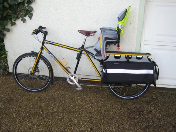 fahrradanhänger-Fahrradsitz-Kinder-modernes-praktisches-Modell