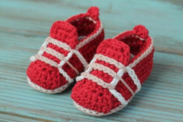 -fantastische-babyschuhe-mit-super-schönem-design-häkeln-tolle-praktische-ideen-