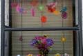 25 kreative Ideen für Fensterdeko zum Frühling!