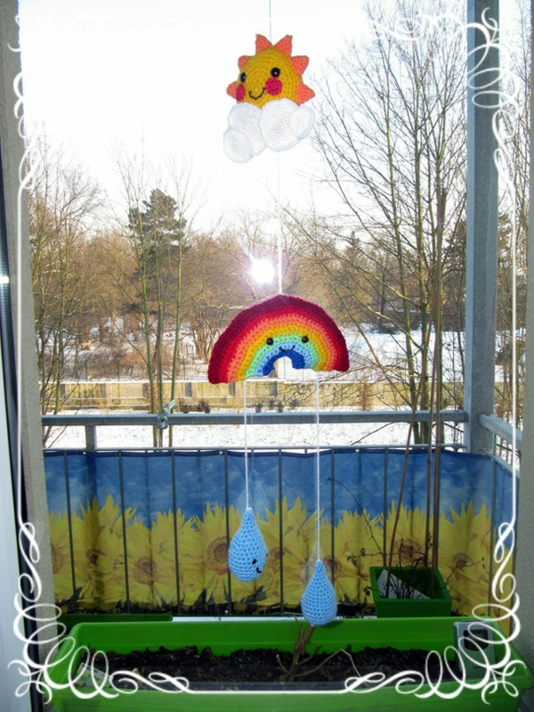 fensterdeko-frühling-papier-regenbogen
