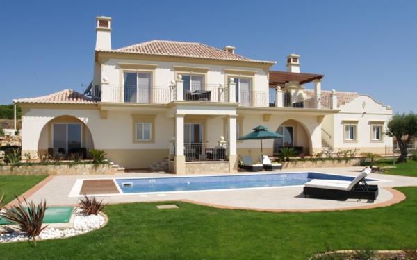 ferienwohnung-mieten-luxus-ferienhaus-mit-pool