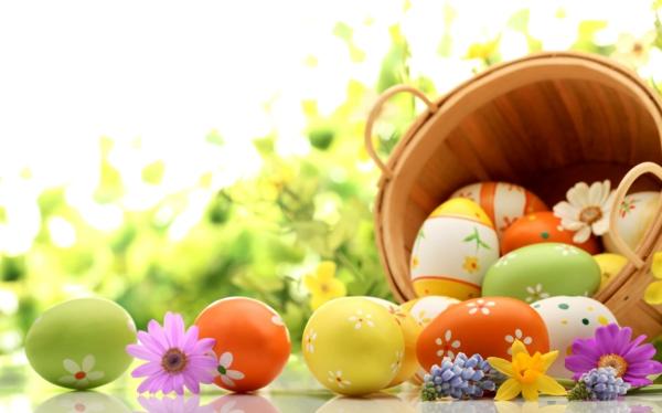frohe-ostern-schöne-bunte-eier