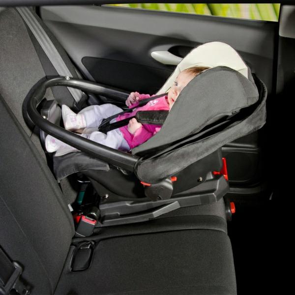 funktionelles-design-baby-autositz-kinder-modernes-design---