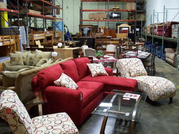 alte m bel die besonders interessant wirken. Black Bedroom Furniture Sets. Home Design Ideas