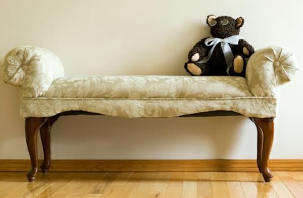 großartige-ale-möbel-die-sehr-schön-kreativ-und-interessant-aussehen-weißes-schönes-sofa