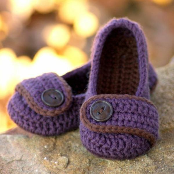 häkeln-für-baby-häkeln-babyschuhe-mit-wunderschönem-design-in--lila