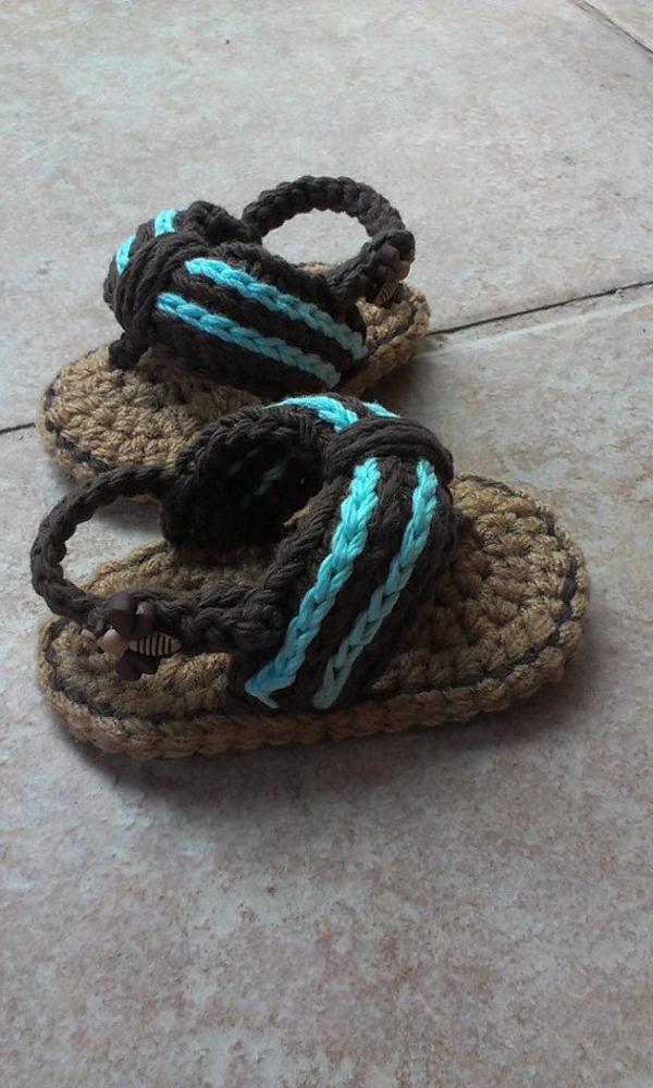 häkeln-für-baby-häkeln-babyschuhe-mit-wunderschönem-design_sandalen