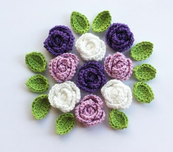 häkeln-wunderschöne-kreative-häkeleien-blumen--rosen-in-lila-und-weiß- blumen-häkeln