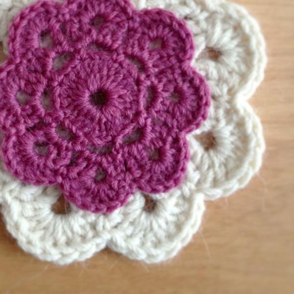 häkeln-wunderschöne-kreative-häkeleien-blumen--weiß-lila