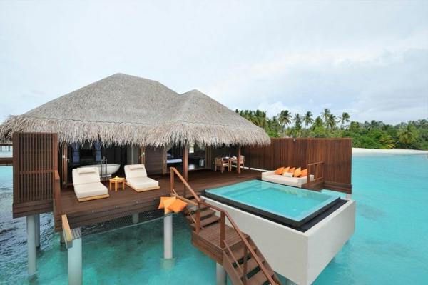 haus-mit-pool-luxus-ferienhaus-tropisches-haus