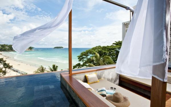 haus-mit-pool-und_großer-terrasse-terrassengestaltung-mit-pool
