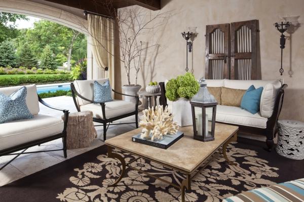 herrliche-möbel-und-teppich-für-draußen