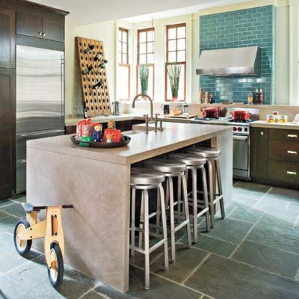 hocker-aus-metall-gemütliche-küche-gestalten