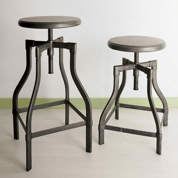 hocker-aus-metall-zwei-moderne-designs