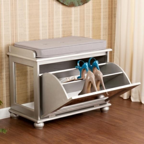 hocker mit aufbewahrung funktion sehr praktisch. Black Bedroom Furniture Sets. Home Design Ideas