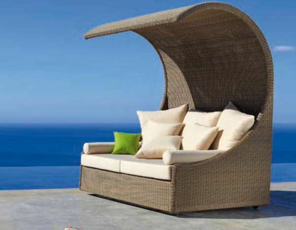 interessante-moderne-schöne-korbmöbel-attraktives-sofa