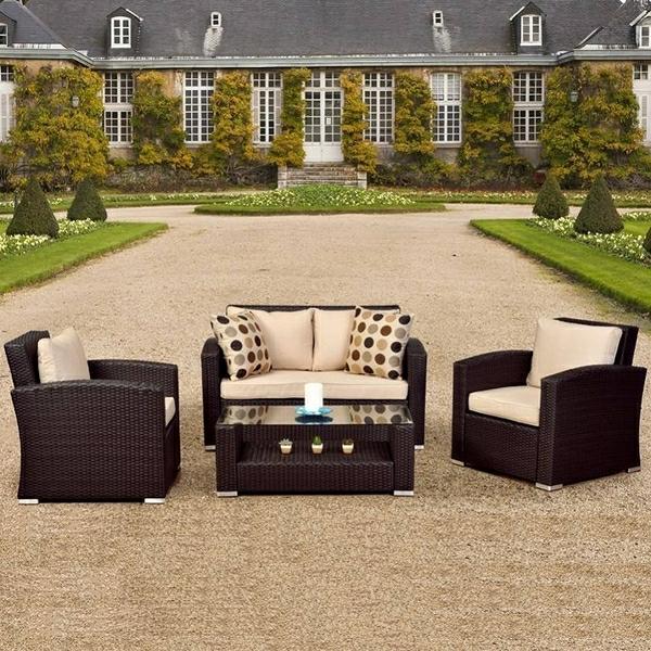interessante-moderne-schöne-korbmöbel-sofa-und-sessel