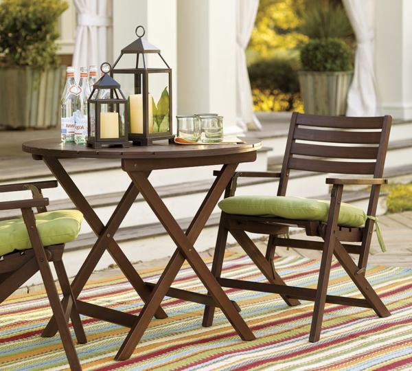 interessanter-moderner-super-wirkender-und-kreativ-gestalteter-möbelset-für-balkon-stühle-aus-holz