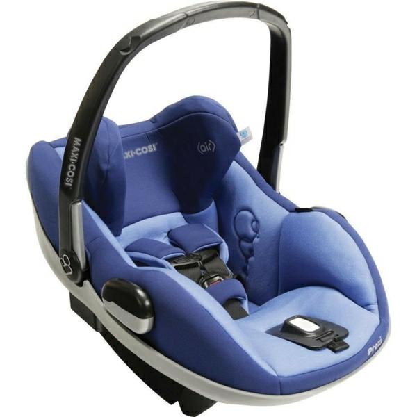 babyschale komfort und sicherheit im auto. Black Bedroom Furniture Sets. Home Design Ideas
