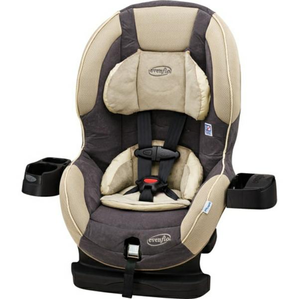 komfortabler-autokindersitz-modernes-design-sicherheit-im-auto-