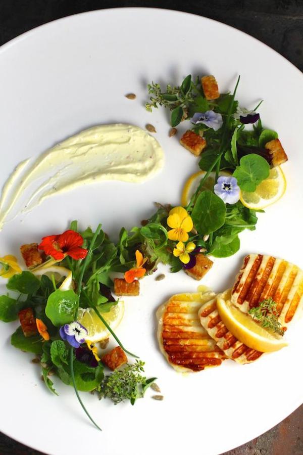 kreatives-design-speisen-deko-floral-blumen-essen-