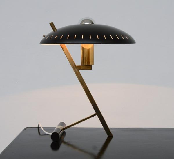 kreatives-modell-tischlampe-design-interior-einrichtungsideen-wohnideen