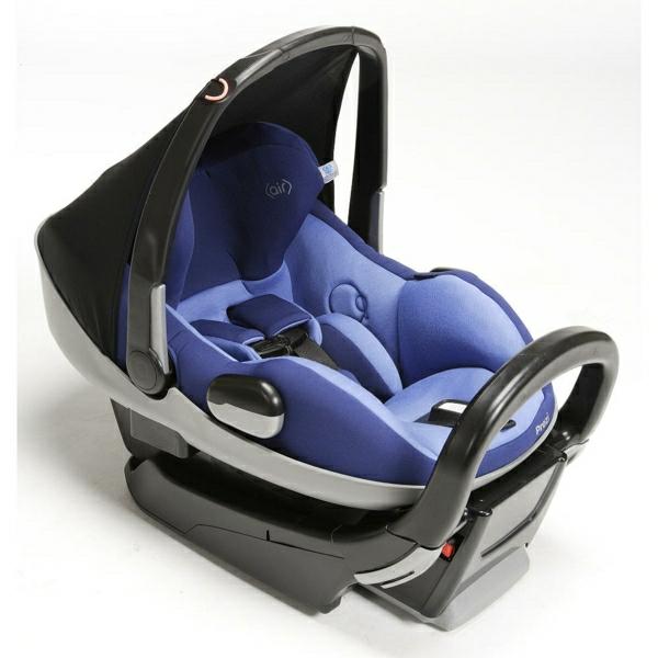 lila-autokindersitz-modernes-design-sicherheit-im-auto-babysitz-auto