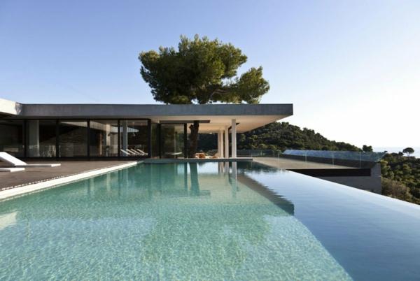 luxus-ferienhaus-mit-pool-ferienwohnung-mieten