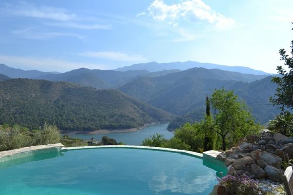 luxus-ferienwohnung-luxus-ferienhaus-mit-pool-haus-mit-pool--rundes-pool
