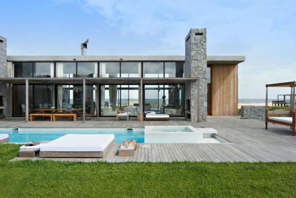 luxushaus-mit-einem-fantastischen-pool-super-moderne-architektur--