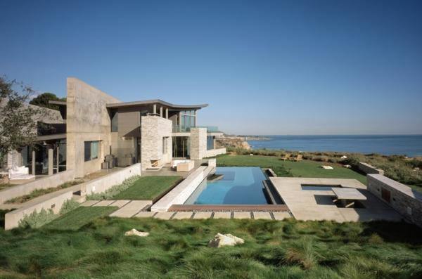 --moderne-architektur-haus-am-strand-terrasse-garten-mit-pool
