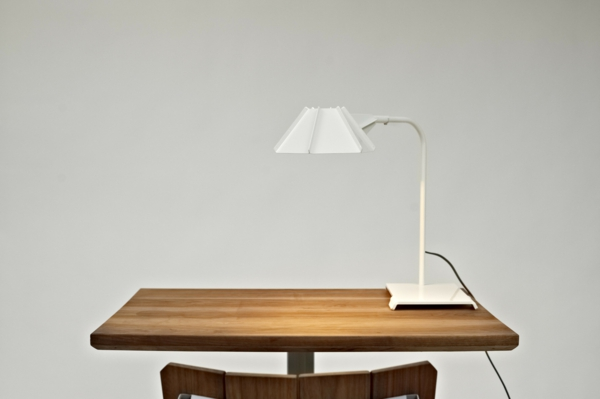 moderne-lampen-mit-coolem-design-beleuchtung-weiß