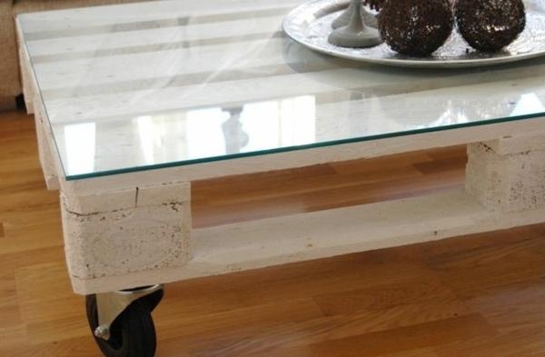 tisch aus europaletten 25 sehr sch ne bilder. Black Bedroom Furniture Sets. Home Design Ideas