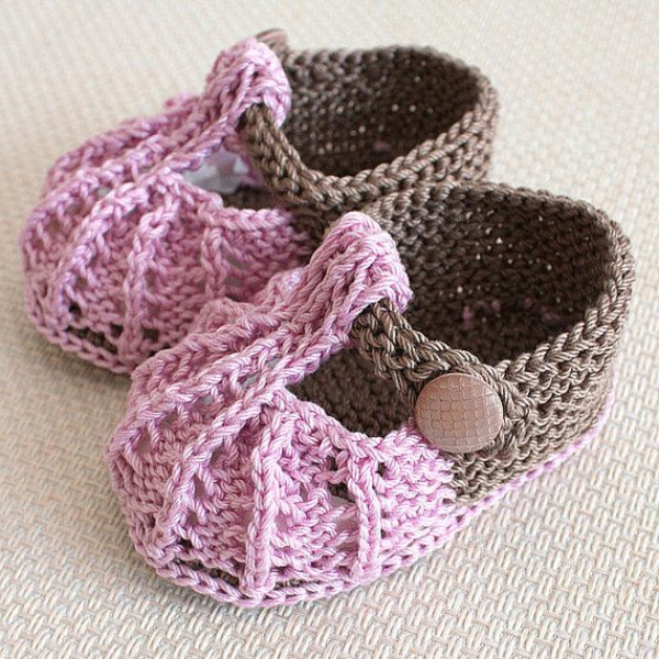 modernes-design-in-rosa-fantastische-babyschuhe-mit-super-schönem-design-häkeln-tolle-praktische-ideen