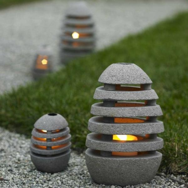 modernes--exterior-design-ideen-beleuchtung-gartenleuchte