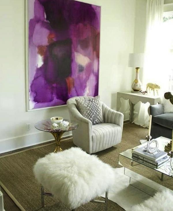 orchidee-farbe-großes-bild-an-der-wand-im-wohnzimmer