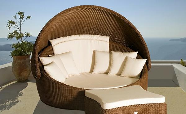 originelle-terrassen-möbel-cooles-bett