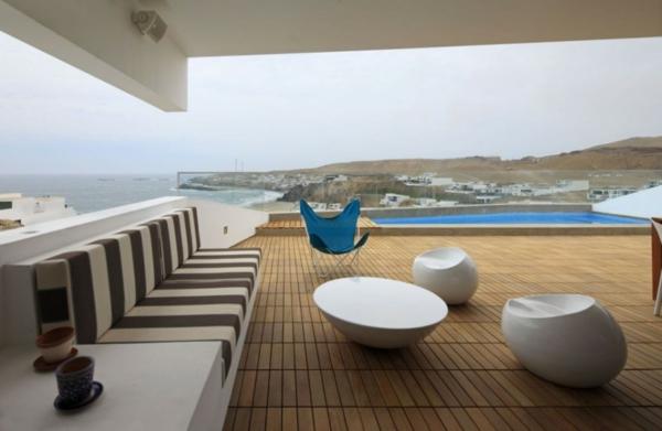 originelle-terrassen-möbel-weiß-und-modern