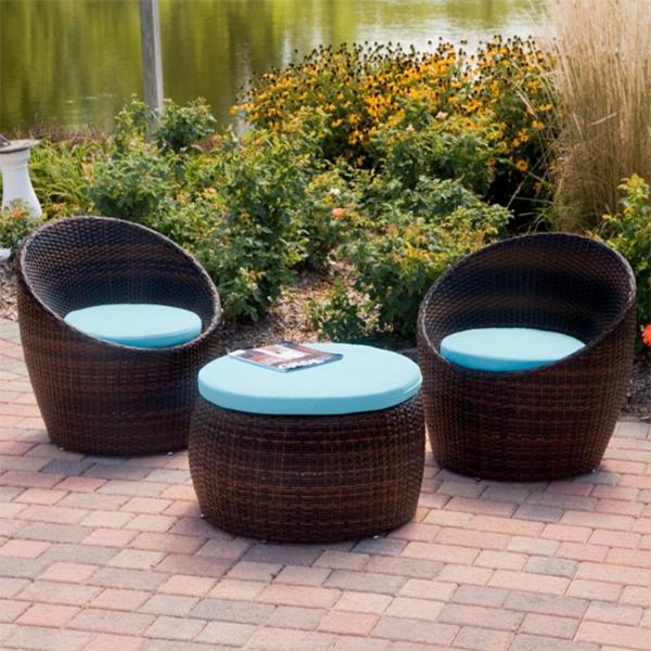 originelle-terrassenmöbel-zwei-sessel