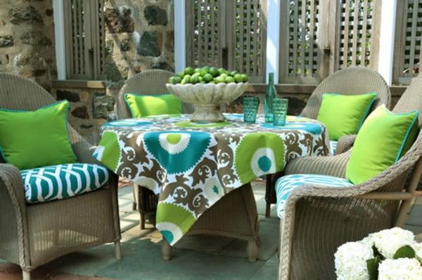 outdoor-stoffe-dekokissen-im-grün