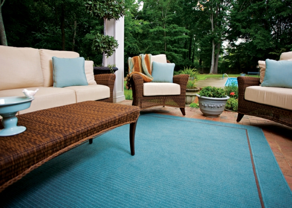 outdoor-stoffe-garten-teppich-und-möbelstücke