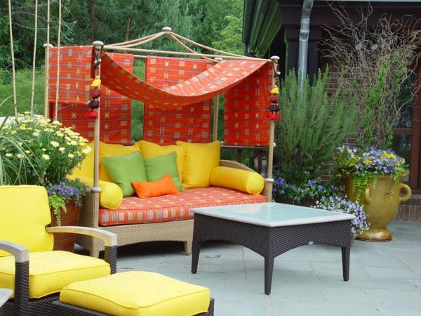 outdoor-stoffe-gelbe-schöne-sofas
