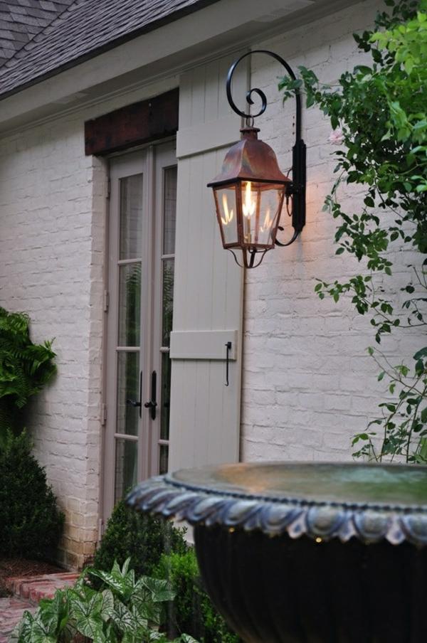 praktische-gestaltungsideen-für-den-garten-gartenlampen