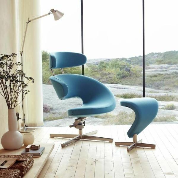 relaxsessel-mit-hocker-schickes-blaues-modell