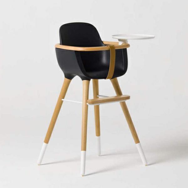 schöner-hochstuhl-mit-tisch-schwarzes-elegantes-modell